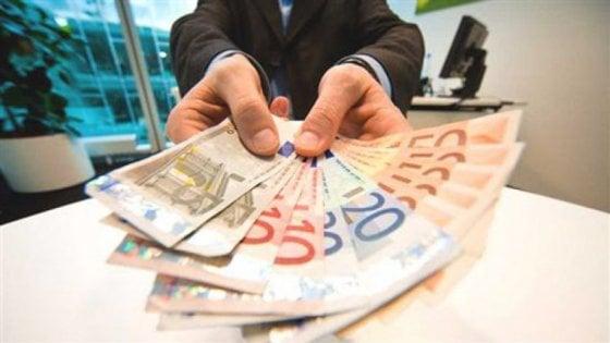 Gli stipendi nelle province: Messina il nuovo fanalino di coda, risale Lecce