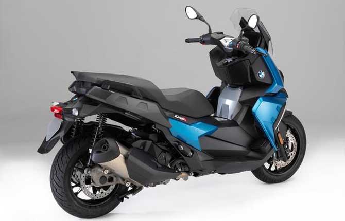 Bmw C 400 X, lo scooter medio diventa elegante