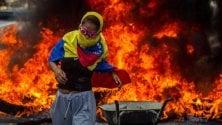 Venezuela,  gli oppositori di Maduro torturati e perseguitati: l'allarme delle Ong
