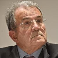 """Prodi su Pisapia: """"Non tutte le frittate riescono bene"""". Renzi: """"Preferisco chiarezza ad..."""