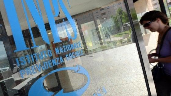 Manovra,  ok in commissione riforma Inps. Emendamento Pd: Stop al pagamento degli stipendi in contanti