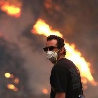 California in fiamme: un morto, 200mila sfollati e 439 edifici distrutti