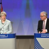 """Brexit: accordo di compromesso su cittadini Ue che rimangono, Irlanda e """"assegno di..."""