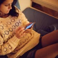 Autolesionismo online, se il bullo colpisce se stesso