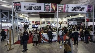 Arena Robinson: il giorno della poesia, degli scrittori-scienziati, delle storie che fanno bene alla salute. E della Rivoluzione russa