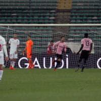 Bari-Palermo 0-3, rosanero al comando. Paura per Embalo