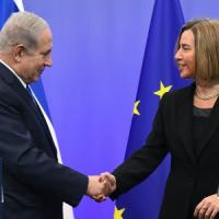 """Gerusalemme capitale, Mogherini a Netanyahu: """"Si sbaglia se crede che l'Ue seguirà Trump"""""""