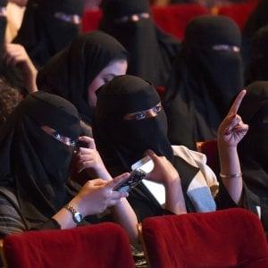 Arabia Saudita, nuova svolta: via il divieto per i cinema, a marzo le prime sale