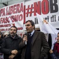 Blitz fascista, sit-in davanti a Repubblica e Espresso
