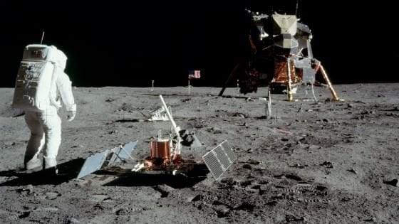 Trump, 'torniamo sulla Luna poi Marte'
