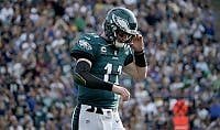 Eagles tra gioia e dolore  ai play off, ma con Wentz ko