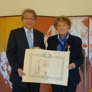"""Il Sol Levante premia Dacia Maraini """"per il suo contributo all'approfondimento della conoscenza reciproca tra Giappone e Italia"""""""