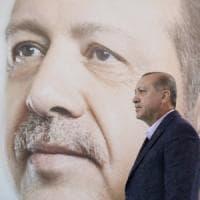 Turchia, chiesto l'ergastolo per sei giornalisti: accusati di