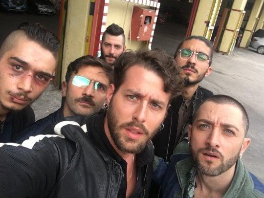 """Livio Cori è Liberato? Il rapper, attore in 'Gomorra 3': """"Se lo fossi non ve lo direi..."""""""