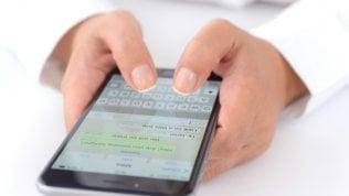 WhatsApp ti salva dai gruppi: potremo rispondere in privato
