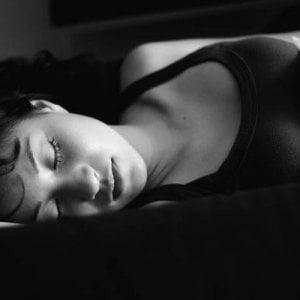 Gli adolescenti dormono sempre meno, colpa anche degli smartphone