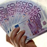 Prestiti: gli italiani danno ad amici e parenti 800 milioni di euro ogni mese