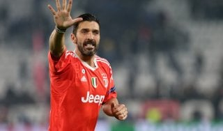 "Juventus, Buffon: ""Dybala ascolti Nedved, deve invertire la tendenza"""