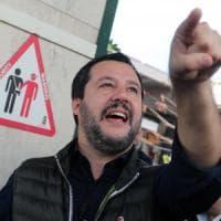 """Salvini: """"Nessun tavolo con chi protegge stupratori e assassini"""". E Di Maio ringrazia"""
