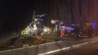 Francia, treno travolge uno scuolabus:quattro ragazzi morti