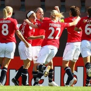 Nella Norvegia del calcio la vera parità dei sessi: stesso stipendio per uomini e donne