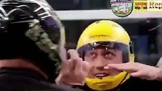 Tuta e caschetto giallo: Di Maionel simulatore di caduta libera