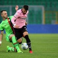 Serie B: il Palermo conserva la vetta, il Bari risale al secondo posto