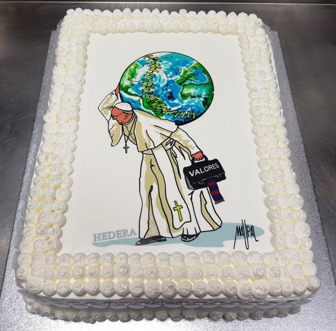 Favoloso Buon Compleanno papa Francesco: la torta per gli 81 anni  MY96