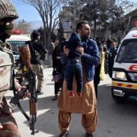 Pakistan, attacco a chiesa metodista di Quetta: nove morti, decine di feriti. Isis...
