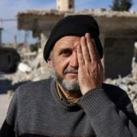 Un selfie con un occhio coperto: la campagna social di solidarietà per Karim e l'infanzia ferita in Siria