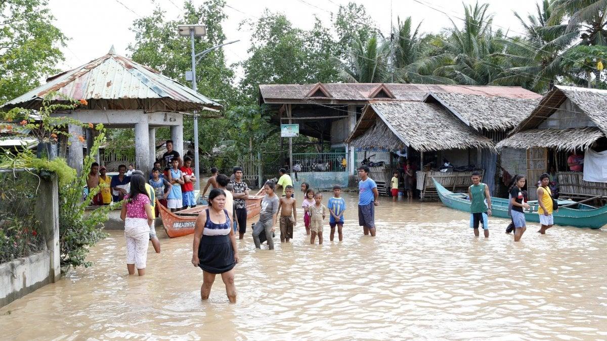Filippine tempesta tropicale a sud del paese almeno 200 for Piani casa del sud del paese