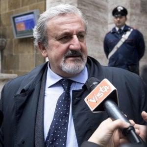 Ilva, Emiliano: Non ritiriamo il ricorso, non cedo ai ricatti