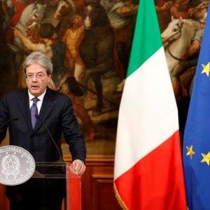 """Gentiloni: """"L'Italia accoglie i migranti: truppe in Niger per fermare gli schiavisti"""""""