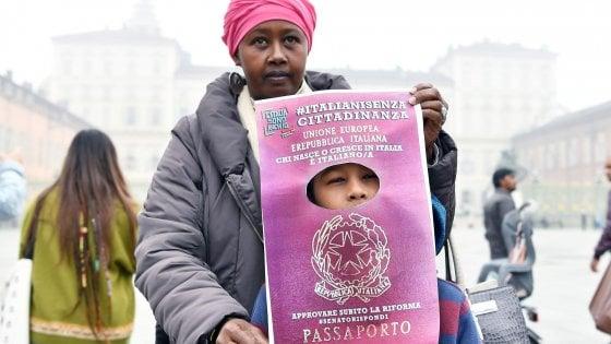 """Ius soli, Boldrini: """"Promessa mancata, grave responsabilità assenti"""". Avvenire: """"Fine ingloriosa Parlamento"""""""
