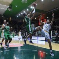 Basket, Serie A: Avellino travolge Capo d'Orlando e resta al 2° posto