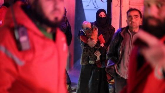 """Siria, evacuazione Ghouta est. La denuncia dell'Onu: """"Bambini usati come possibili pedine di scambio"""""""