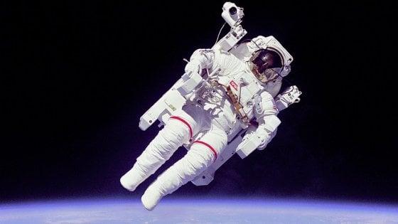 Tute spaziali: un tasto per tornare a casa sani e salvi