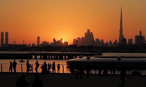 Dubai. L'ultimo show è ammirarla attraverso una cornice