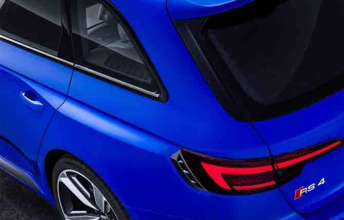 Nuova Audi RS 4 Avant, voglia di pista