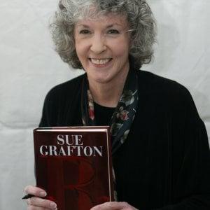 Morta Sue Grafton, giallista e autrice dell'Alfabeto del crimine