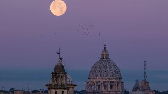 Superluna, a Capodanno la più grande del 2018
