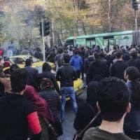 Iran, la protesta si ritorce contro i conservatori che l'hanno innescata