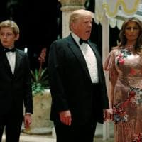 Capodanno, Melania Trump spende 4mila dollari per il vestito ma Ivanka le ruba la scena