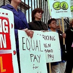 Islanda: la parità di salario tra uomo e donna è legge