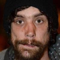 Attentato Manchester,  il 'senzatetto eroe' ora ammette: