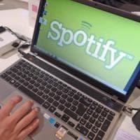 Spotify, causa da 1,6 miliardi dollari per diritti d'autore. Dai Doors a Neil Young