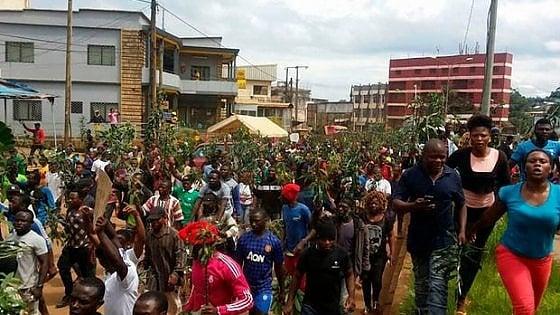 Camerun, storia di un paese diviso e di eroi sconosciuti pronti a dare la vita