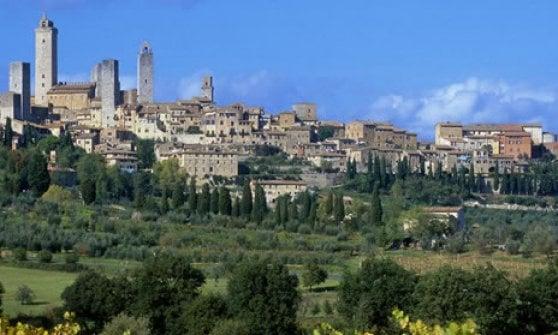 Vernaccia di San Gimignano: una nuova stagione e un cuore d'oro per il bianco toscano