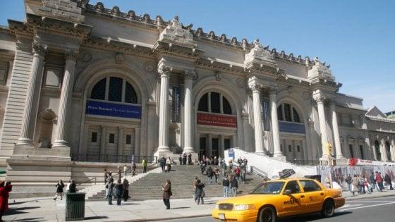 """Addio offerta libera, al Met di NY si pagherà il biglietto: """"Una volta tutti donavano, ora non più"""""""