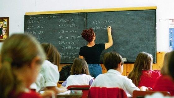 Scuola, troppi compiti nelle vacanze non aiutano il rendimento scolastico